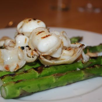 Grilled asparagi and squid