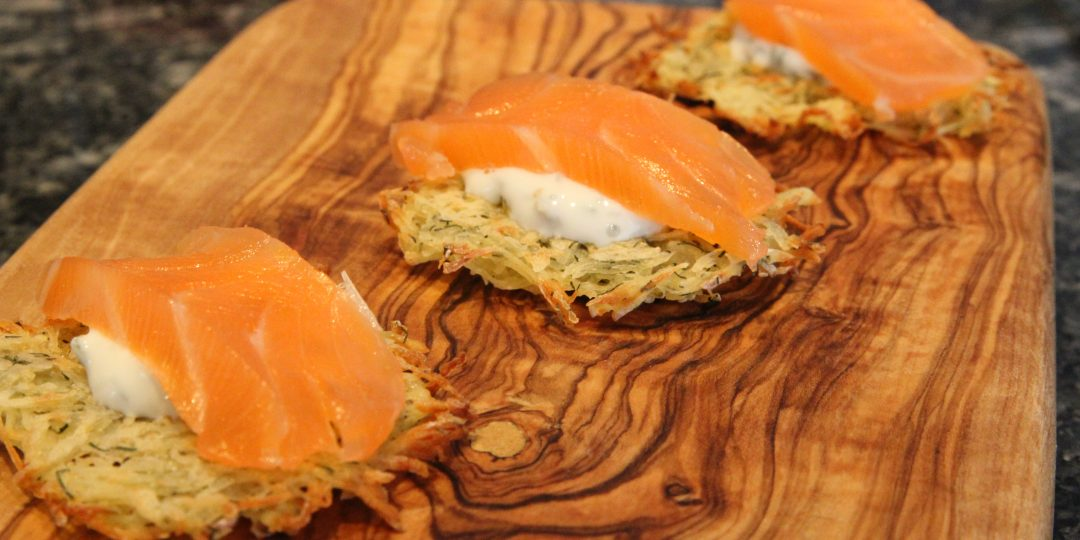 Miniröstinis with cured salmon