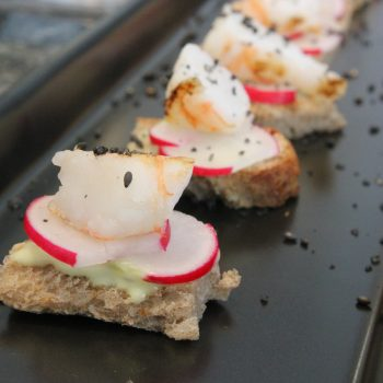 Crostini with shrimp and radish