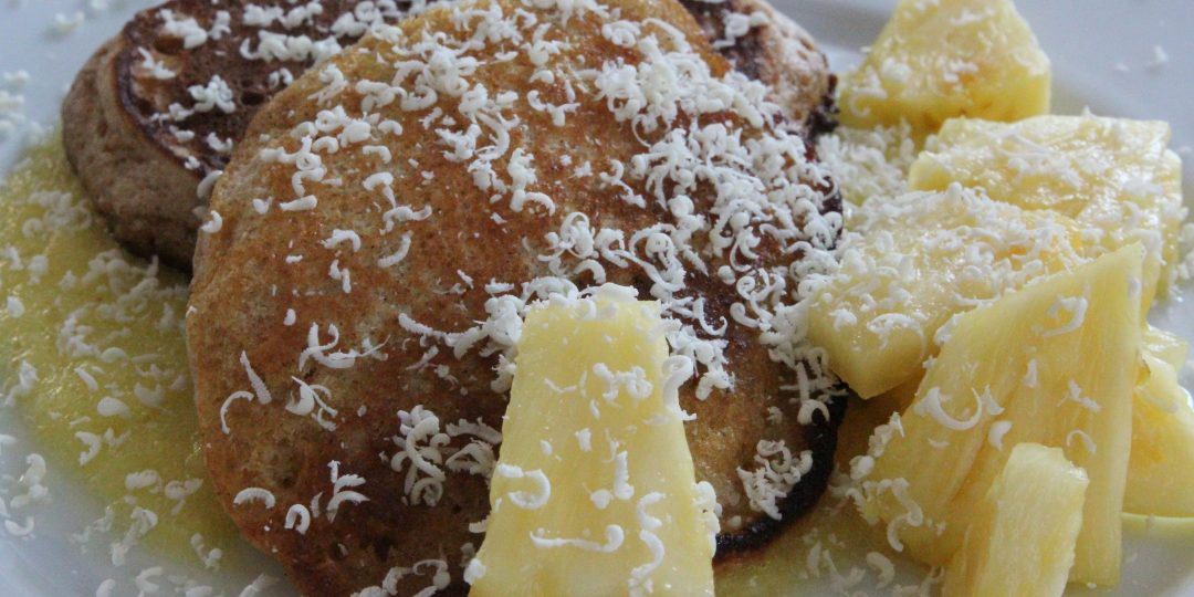 Whole weat pancakes with ananas and white chocolate