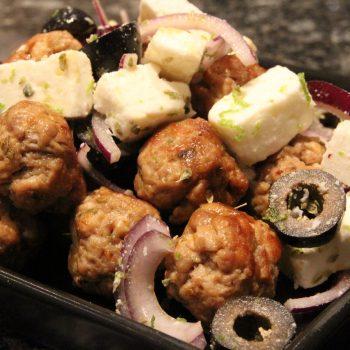 Minimeatballs with feta and black olives