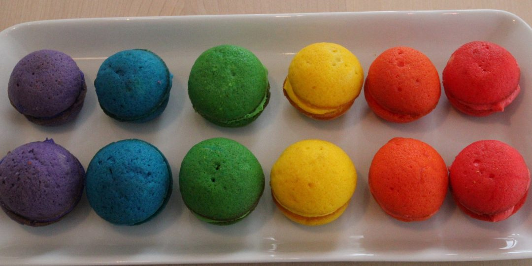 Rainbow whoopies