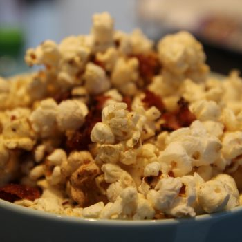 Popcorn with bacon and chilli