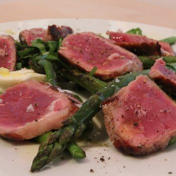 Beef and asparagus salad