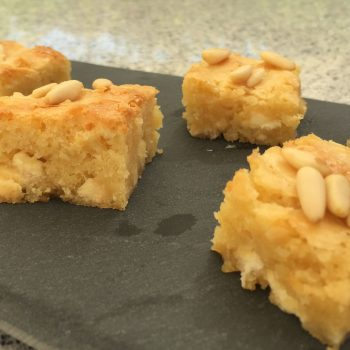 Blondies with pinenuts