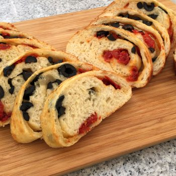 Tomatoes and olives rolled focaccia - a remake